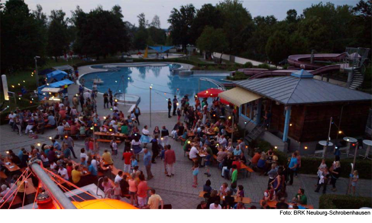 Große Party im Freibad